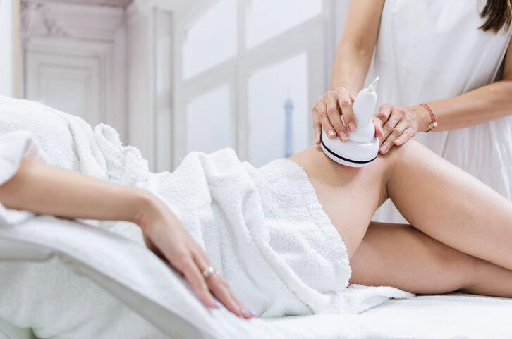Jak działają urządzenia do masażu nóg?